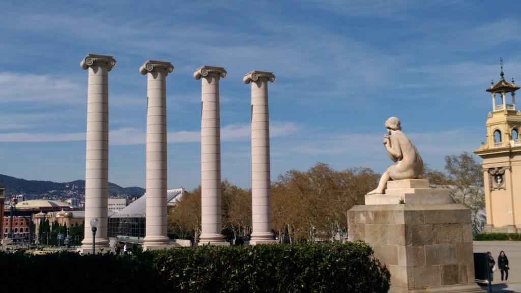 Placa Espanya - Statue - Erasmus a Barcellona